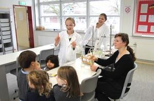 Ob naturwissenschaftlicher oder eher künstlerischer Typ - Die Lehre an der Rheinland International School wird individuell angepasst