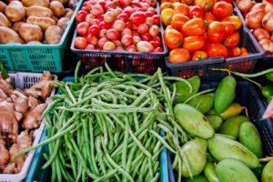 Auf dem Wochenmarkt findet man immer noch das gesündeste Gemüse.