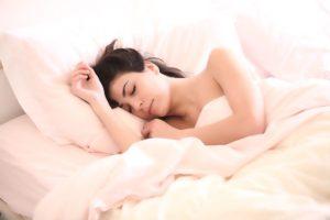 Gesunder Schlaf ist Erholung für Körper und Geist.