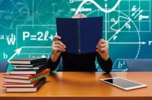 Selbstmotivation beim Lernen kann bei der Vorbereitung auf Prüfungen helfen.