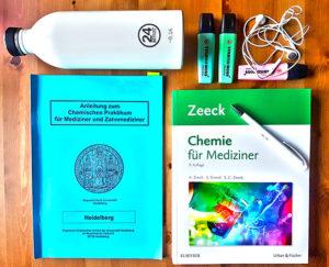 Pflicht für jeden Medizin- und Zahnmedizinstudenten: Der Chemie Kurs und das entsprechende Praktikum.