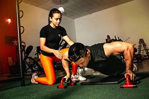 Amateur- und Profisportler greifen gerne zu Nahrungsergänzungsmitteln, um den Trainingseffekt zu optimieren.