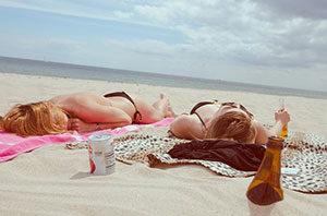 Wer häufig einen Sonnenbrand hat, erhöht damit deutlich das Risiko für Hautkrebs.