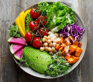 Gesundes Essen ist für den Lernerfolg im Studium sehr wichtig.